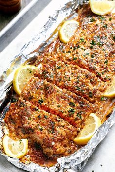 Healthy Baked Salmon – Easiest tin foil dinner ever! Quick, easy with zero clean-up!