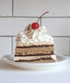 Easy Espresso Ice Cream Cake | 5 Easy Mother's Day Desserts Even the Kids Can Make