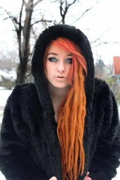 when my dreads get this long I'm going to bleach my dreads again do this color instead of pink =]