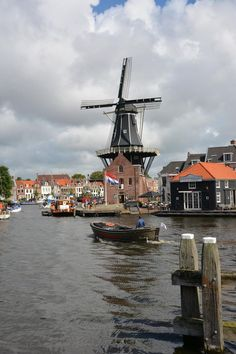 """Haarlem is a city in the Netherlands. It is the capital of the province of North Holland. Places Around The World, Travel Around The World, Around The Worlds, Rotterdam, Wonderful Places, Beautiful Places, Beautiful Streets, Holland Netherlands, Netherlands Windmills"