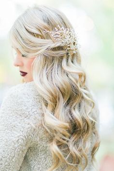 wavy wedding hair via Mikaela Marie Photography / http://www.himisspuff.com/bridal-wedding-hairstyles-for-long-hair/43/