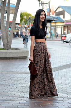 How to wear vintage palazzo pants. How to style palazzo pants. Bohemian Pants Outfit, Hippie Outfits, Indian Outfits, Flowy Pants Outfit, Summer Pants Outfits, Cute Outfits, Casual Outfits, Boho Fashion, Autumn Fashion