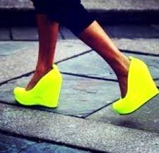 Fashion Fails: The Worst Looks of the Season – Dot Com Women fashion fail – Fashions Fashion Drug, Fashion Fail, Fashion Outfits, Womens Fashion, Neon Heels, Stiletto Heels, Stilettos, High Heels, High Wedges