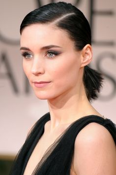 Wedding beauty inspo: Rooney Mara at the Annual Golden Globe Awards Bridal Beauty, Wedding Beauty, Bridal Makeup, Rooney Mara Hair, Rooney Mara Makeup, Fall Wedding Makeup, Celebrity Skin, Braut Make-up, Photo Makeup