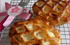 ♥ Feuilletés ultra croustillants au jambon ♥ Mini Hamburgers, Tortilla, Waffles, Breakfast, Desserts, Food, Drizzle Cake, Ham, Food Porn
