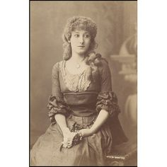Guy Little Theatrical Photograph Object: Photograph Place of origin: London, England (photographed) Date: 1884 (photographed) Vintage Photos Women, Vintage Girls, Vintage Photographs, Vintage Outfits, Vintage Images, Vintage Woman, Vintage Black, Retro Vintage, Victorian Women