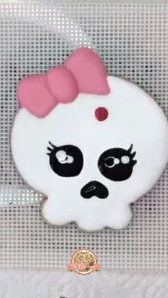 "cutmycookies on Instagram: I did another Reels Video with our ""Dia de los muertos"" Cookie Cutter. . I hope you like it. . Scribe, Turntable and Food Colors:…"