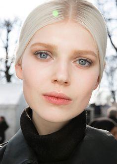 #makeup @Carlen Spruell La invasión del rubio casi blanco