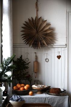 10 The Most Beautiful Christmas Decorating Ideas Homechristmas decoration ideas Christmas Feeling, Cozy Christmas, Scandinavian Christmas, Country Christmas, Simple Christmas, Beautiful Christmas, All Things Christmas, Christmas Time, Hygge Christmas