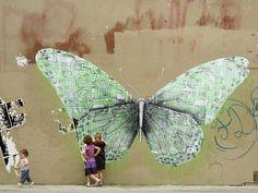 Butterfly in Paris, another one from Ludo's 'Nature's Revenge' series. graffiti with DEEP meaning.i just like graffiti. Murals Street Art, Street Art Graffiti, Michelangelo, Urbane Kunst, Best Graffiti, Art Optical, Optical Illusions, Graffiti Artwork, Amazing Street Art