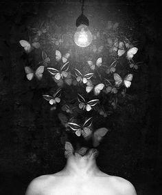 Oscuridad... La única compañera que te escucha, acompaña y protege. En sus brazos