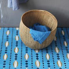 Carreau de ciment Plantain bleu clair - prix échantillon - Petit Pan - vivre en multicolore