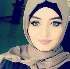Beautiful Muslim Women, Beautiful Hijab, Beautiful Eyes, Middle Eastern Makeup, Arabian Beauty Women, Muslim Beauty, Islamic Girl, Islamic Fashion, Turkish Beauty