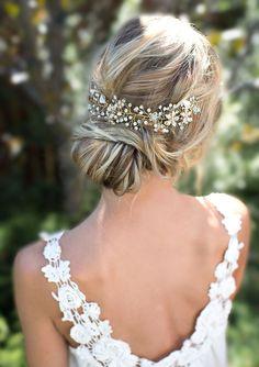 Boho Gold Halo Flower Hair Crown, Gold or Silver Wire Hair Wreath, Boho forehead band, Hair Vine, Boho Wedding Headpiece - 'VIOLETTA' par LottieDaDesigns sur Etsy www.etsy.com/...