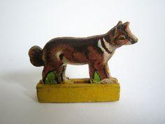 Dresdner Pappe Presspappe geprägte Pappe beidseitig Hund Schäferhund alt a2