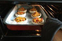 Jobb, mint egy hamburger: töltött gombafejek Hamburger, Vegetable Recipes, Muffin, Paleo, Cooking Recipes, Mint, Foods, Dinner, Vegetables
