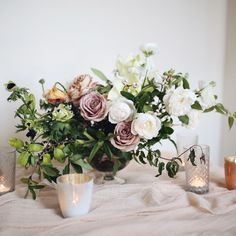 Tinge Floral centerpiece photo by Mandi Nelson