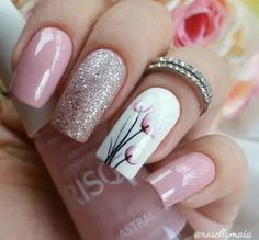 Dusty pink and glitter nails with a pretty white floral accent nail.-- Dusty pink and glitter nails with a pretty white floral accent nail. Ombre Nail Designs, Black Nail Designs, Nail Designs Spring, Nail Art Designs, Nails Design, Spring Nail Art, Spring Nails, Spring Art, Perfect Nails