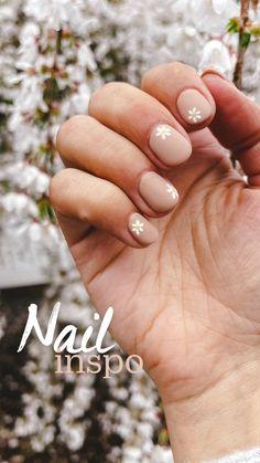 Cute Gel Nails, Short Gel Nails, Cute Acrylic Nails, Nail Design For Short Nails, Acrylic Nails Designs Short, White Short Nails, Simple Gel Nails, Simple Wedding Nails, Pretty Short Nails