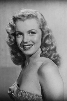 Marilyn Monroe Through the Years - - A look back at the starlet's life on what would've been her birthday. Hollywood Fashion, Hollywood Glamour, Old Hollywood, Hollywood Tattoo, Hollywood Actresses, Classic Hollywood, Hollywood Celebrities, Young Marilyn Monroe, Norma Jean Marilyn Monroe