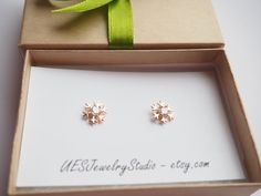 Rose Gold Earrings, Snowflake Earrings With Swarovski Crystal, Rose Gold Snowflake Earrings, Winter Earrings/ 01 70005 E