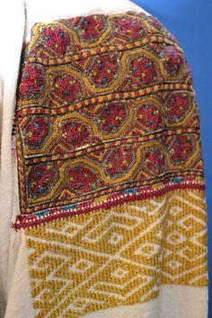 Romanian blouse - ie - detail. Altita & incret