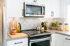 Christina & Ant Anstead's New Home | Christina on the Coast | HGTV Modern Kitchen Renovation, Kitchen Remodel, Boho Kitchen, Lotus Kitchen, Kitchen Design, Kitchen Black, Kitchen Decor, Bamboo Roof, Crib Wall