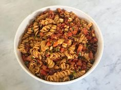 I was looking for a new pasta salad recipe recently, knowing I wanted to steer away form the usual options with Italian dressing or mayo. Feta Pasta, Spiral Pasta, Kalamata Olives, Italian Dressing, Fusilli, Pasta Salad Recipes, Dried Tomatoes, Food Processor Recipes, Side Dishes