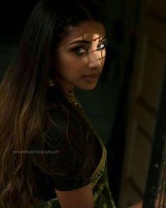 Wedding Couple Poses Photography, Teenage Girl Photography, Girl Photography Poses, South Indian Actress Hot, Most Beautiful Indian Actress, Beautiful Blonde Girl, Beautiful Asian Girls, Beauty Full Girl, Beauty Women