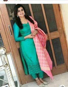 Salwar Pattern, Salwar Suits Party Wear, Indian Wife, Punjabi Girls, Designer Punjabi Suits, Stylish Suit, Patiala Suit, Indian Beauty Saree, Tight Dresses