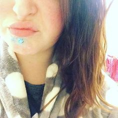 You've spent many nights sleeping with toothpaste on your spots. | 29 Things All Girls Who Have Acne In Their Twenties Know