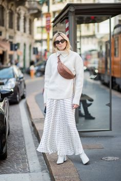 22 fresh outfits to inspire your fall look downtown chic осе Milan Fashion Week Street Style, Milan Fashion Weeks, Cute Fall Outfits, Winter Outfits, Bootfahren Outfit, Comfy Outfit, Street Looks, Boating Outfit, Trendy Swimwear