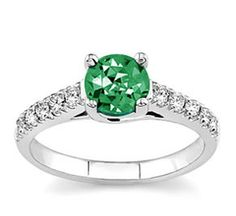 Emerald rings are among the most valuable and appreciated jewelry in the world. Real emerald rings never fail to be seen and appreciated as an elegant and stylish jewelry. The vivid colors of natural emerald mesmerize the senses and captivate all who see their way. When paired with a precious metal band, is the resulting piece of jewelry typically amazing, amazing senses and inspiring spirit.