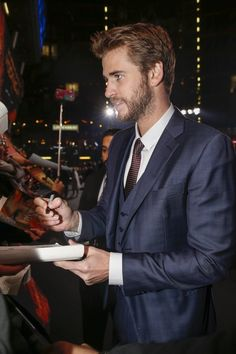 Pin for Later: Le Cast de The Hunger Games Sort le Grand Jeu Pour L'avant…