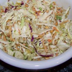 Oriental Cabbage Salad, muito boa:) e acompanhada com um kebab melhor ainda:D