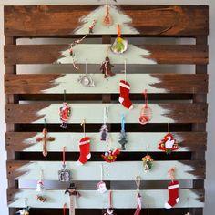 #christmas #soon #creative #pallet #christmastree #repurposed