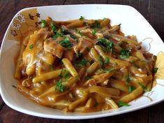 CAIETUL CU RETETE: Mancare de pastai cu carne de pui Helathy Food, Meat Steak, Good Food, Yummy Food, Romanian Food, Cooking Recipes, Healthy Recipes, Food And Drink, Meals