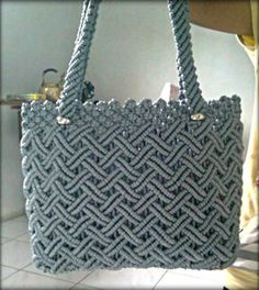 Hi friends I am going to share with you simple macrame tutorial of macrame purse / macrame bag. In this macrame design we show each and every details step by. Crochet Clutch Bags, Crochet Handbags, Crochet Purses, Crochet Bags, Macrame Purse, Macrame Earrings, Macrame Jewelry, Crochet Bag Tutorials, Macrame Design
