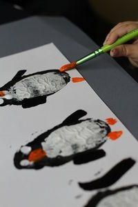 Potato Print Penguins Winter Crafts For Toddlers, Winter Activities For Kids, Winter Kids, Preschool Rules, Preschool Projects, Preschool Ideas, Teaching Ideas, Tacky The Penguin, Potato Print