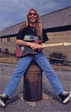 Dave Murray of Iron Maiden Iron Maiden, Dave Murray, Adrian Smith, Best Guitarist, Modern Love, Led Zeppelin, Gorgeous Men, Hard Rock, Metallica