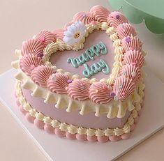 Pretty Birthday Cakes, Pretty Cakes, Beautiful Cakes, Amazing Cakes, Cake Birthday, Mini Cakes, Cupcake Cakes, Food Cakes, Korean Cake