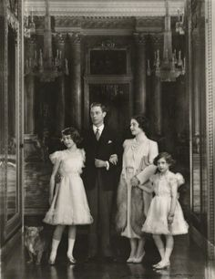 British Royal Family - King George VI, Queen Elizabeth (later The Queen Mother), Princess Elizabeth (Later Queen Elizabeth II) and Princess Margaret Royal Queen, Queen Mary, Queen Elizabeth Ii, George Vi, Lady Diana, Princesa Margaret, Reine Victoria, Royal Collection Trust, Prinz William