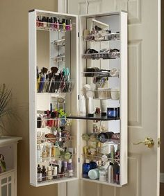 Top 10 Smart Ways to Store and Organize Your Makeup oh how I wish I had this. awesome idea