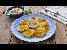 Duchess potatoes (CC Eng Sub) Romanian Food, Romanian Recipes, Food To Make, Shrimp, Cooking Recipes, Meals, Dinner, Breakfast, Mariana