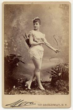 Sexy plaatjes uit 1890 | Froot.nl