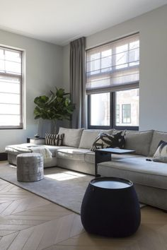 Fantastic small living room designs are readily available on our internet site. House Styles, House Design, Living Room Interior, Home And Living, Home Living Room, Living Room Grey, Interior Design, House Interior, Home Deco