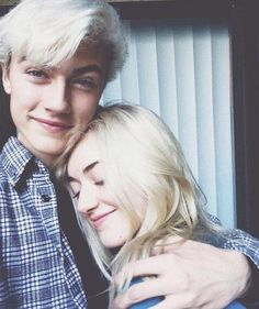 Lucky blue smith Pyper america smith (OC tbd and Tayluck Hammend) Lucky Blue Smith, Daisy Clementine Smith, Pyper America Smith, Siblings Goals, Couple Outfits, Poses, Kaito, Celebs, Celebrities