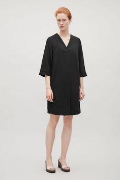 COS | Crossover v-neck dress
