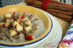 Crockpot oatmeal with apples