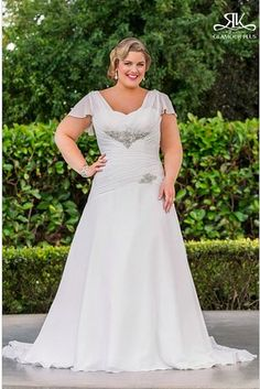 Virginia, Roz La Kelin Glamour Plus Collection | 31 Jaw-Dropping Plus-Size Wedding Dresses